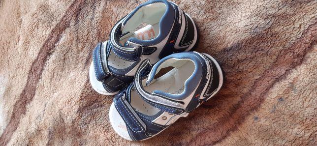 Дитячі босоніжки, сандалі, босоножки 24р.