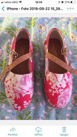 Menina de 6 anos, marca Lanidor. Macacão/sapatos tamanho 27 e boné.