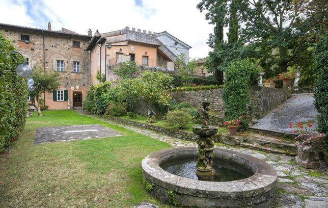 Исторический Дворец Медичи в Италии