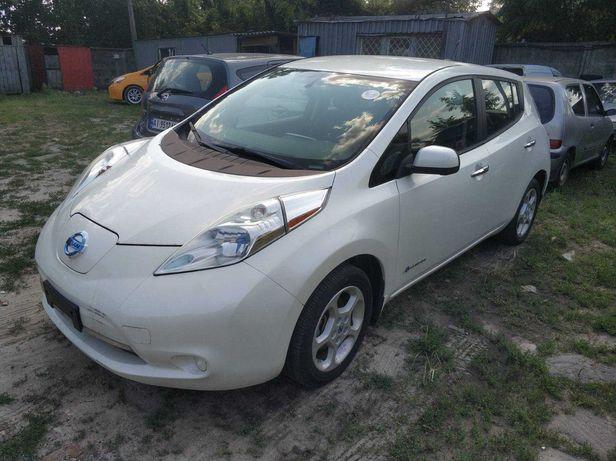 Продаю Nissan LEAF 2013 Электромобиль