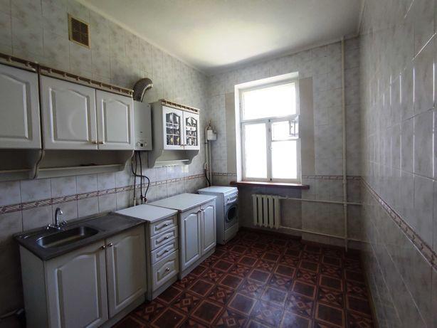 Продам 3-комнатную квартиру 69 кв.м. в центре города. Сталинка