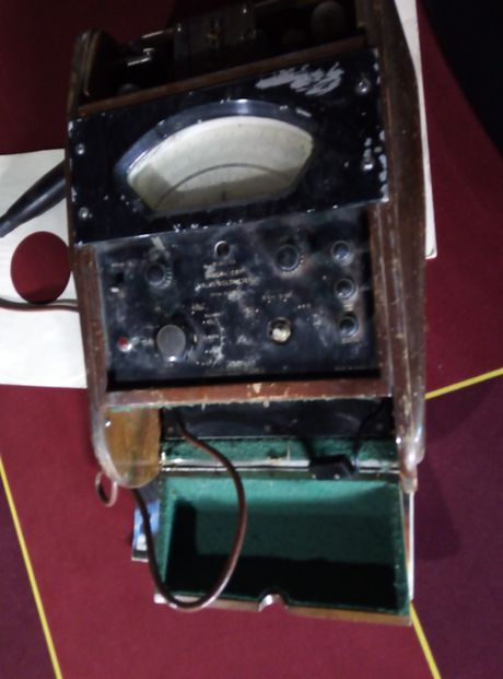 Laboratory valve voltmeter model 26 made in ENGLAND