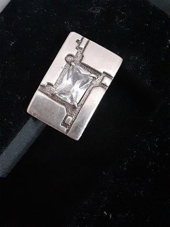 Найдена сережка серебро