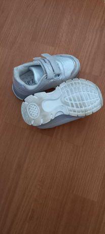 Кросівки дівочі 24 розмір