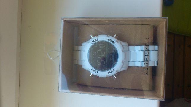 sprzedam ładny zegarek RESERVET