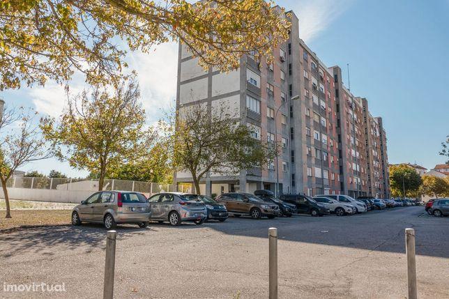 Apartamento T3 totalmente remodelado nos Olivais