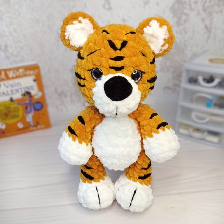 Плюшевый тигр. Мягкая игрушка. Ручная работа. Вязаный тигр. Амигуруми