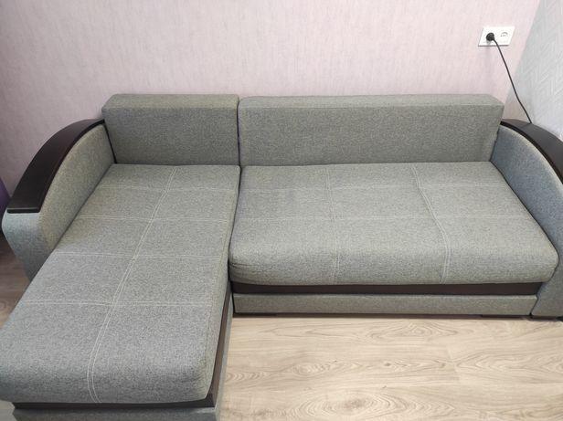 Продам диван сірого кольору