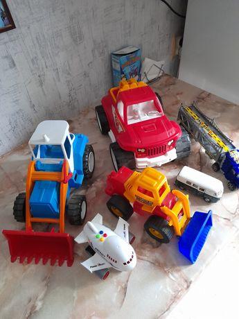 Игрушки машинки трактор