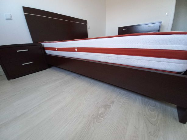 Cama de casal - quarto completo - madeira nogueira