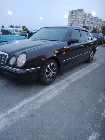 Mercedes elegance e серия в классном состояние ,обмен на наши номера