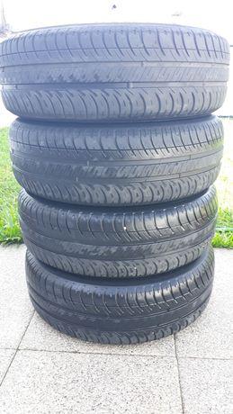 Conjunto de jantes Toyota  +pneus+ tampões  C/ NOVOS