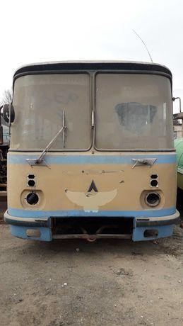 Атобус ЛАЗ 695 ..