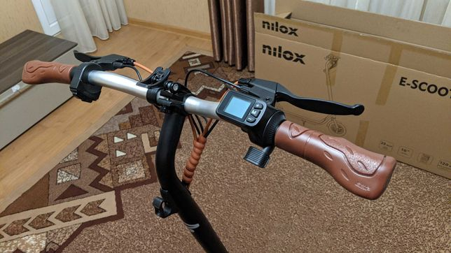 Електросамокат Nilox