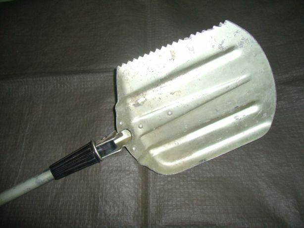 Лопата складная хозяйственная дюралевая. Лёгкая, компактная, удобная.
