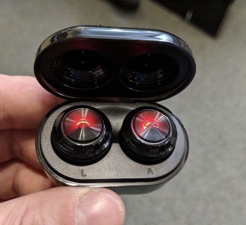 Беспроводные Bluetooth наушники A6 с боксом для зарядки