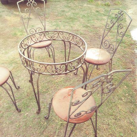 Stoly i krzesla z pretow metalowych