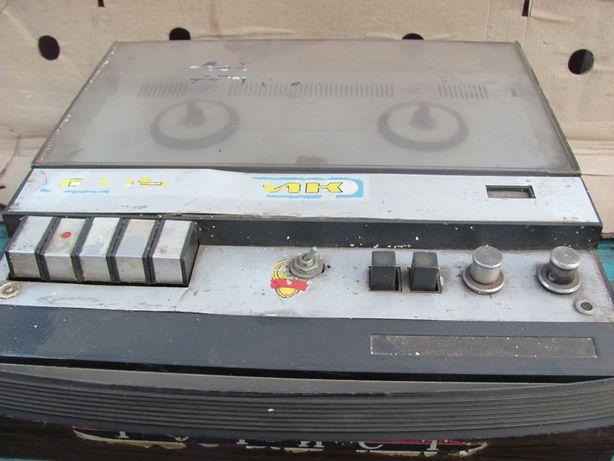 Продам магнитофон Маяк-203 и Нота-303 с кассетами,рабочие,не куроченны