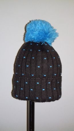 Brązowa Czapka na Zimę z Niebieskim Pomponem - Hauer