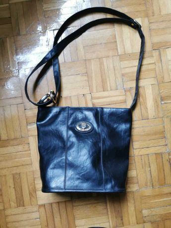Piękna torebka damska z prawdziwej skóry. Kolor czarny. Stan Jak Nowa