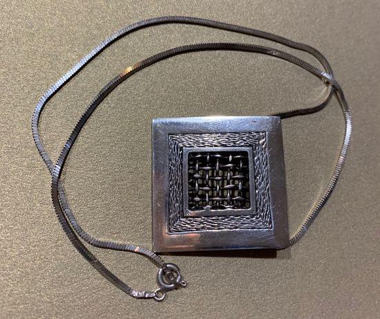 Naszyjnik wykonany srebra łańcuszek +duży artystyczny wisiorek kwadrat