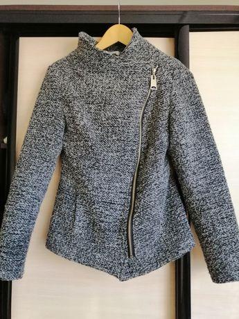 Продам пальто на підкладці S
