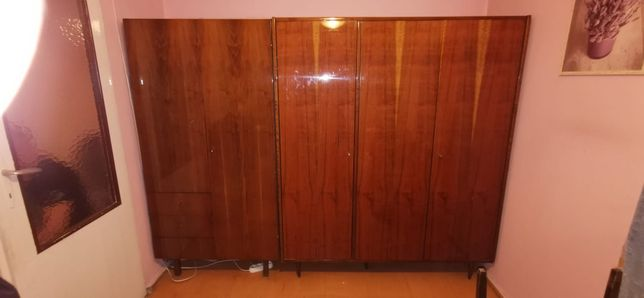 Szafa 3 drzwiowa i komoda