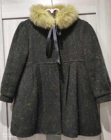 Пальто на девочку 5-6 лет