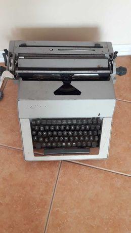 Sprzedam maszynę do pisania z PRL