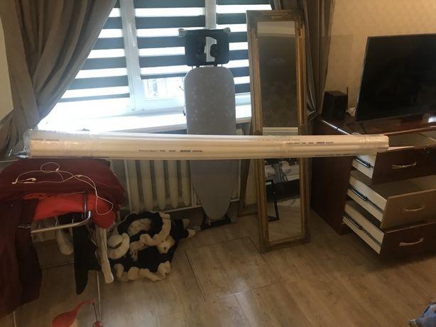Продам целую упаковку верхних багетов для потолка, новые, 2 метра.