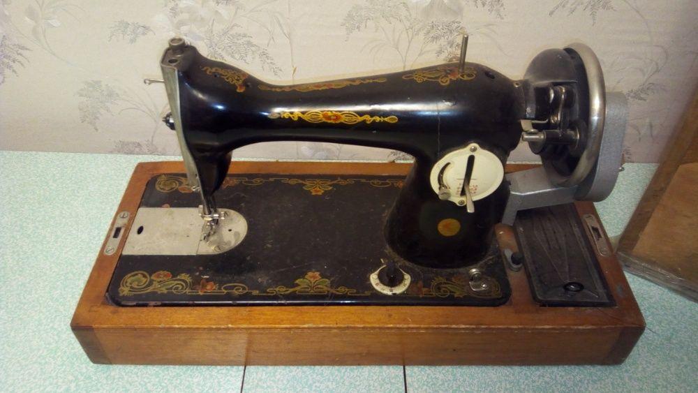 Швейная машинка ПМЗ им. Калинина (с футляром) Запорожье - изображение 1