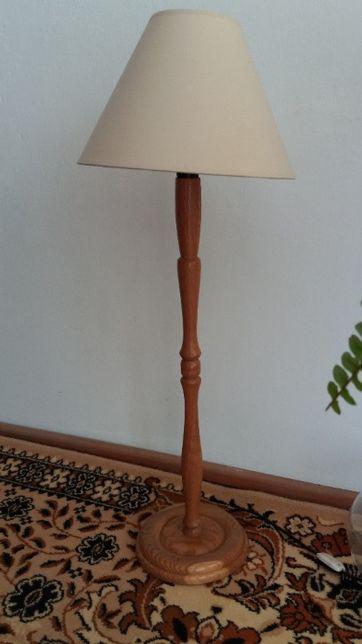lampa toczona z drewna dębowego