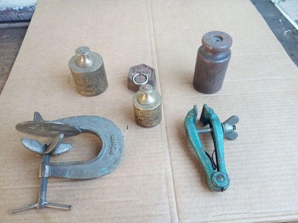 varias ferramentas / peças antigas