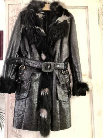 Płaszcz skórzany z futerkiem w idealnym stanie