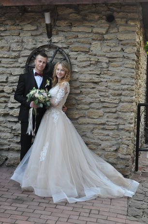 Весільна сукня дуже красива