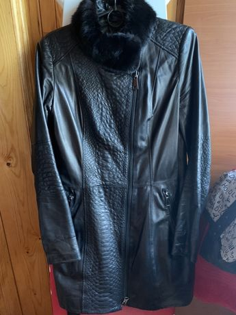 Продам кожаное укороченное пальто с отделкой норки