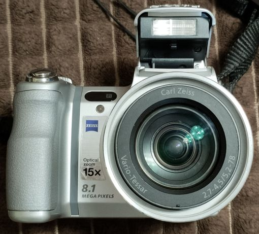 Цифровий фотоапарат SONY DSC-H9