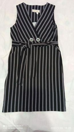 Класичне плаття для дівчинки