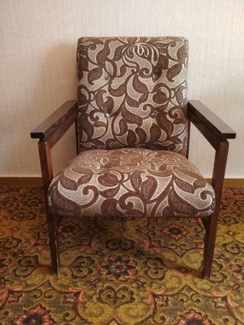 кресло мягкое в гостинную