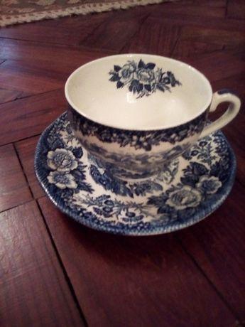 Louça Inglesa - chávena de chá e outros