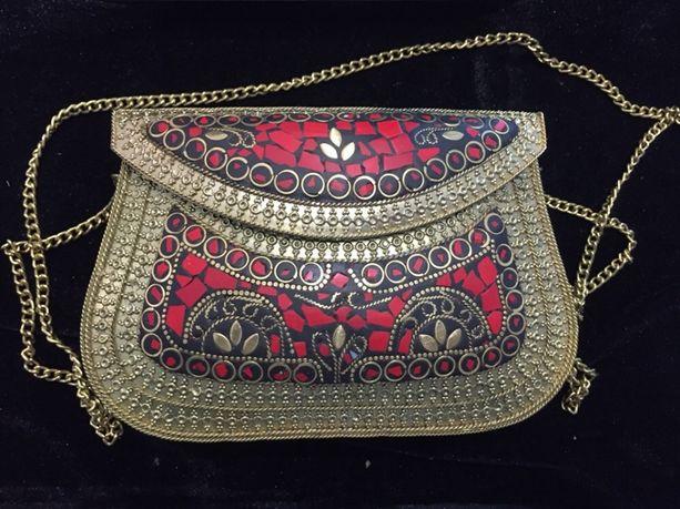 Вечірній клатч. Індійська червона сумочка з натуральним камінням