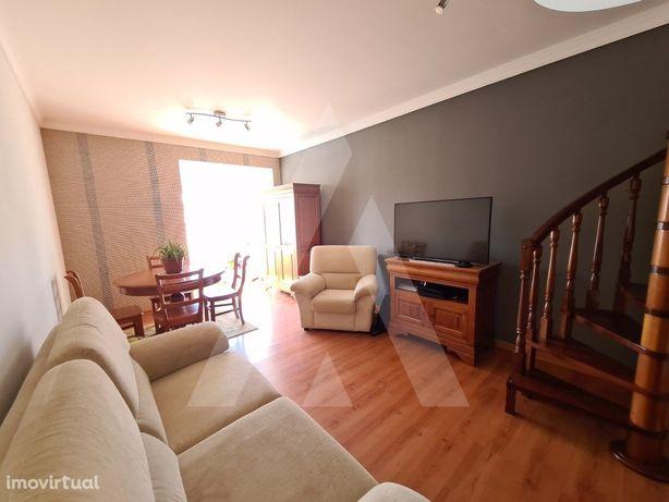 Apartamento T2 Dúplex Mobilado para arrendamento