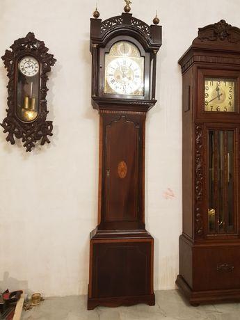 Підлоговий годинник Eardley Norton, 18 сторіччя, четвертний бій.