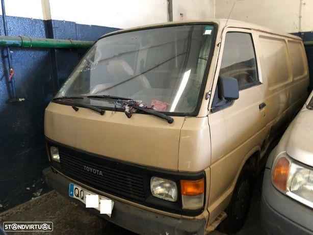 Toyota Hiace II 2.4D de 1986 para peças