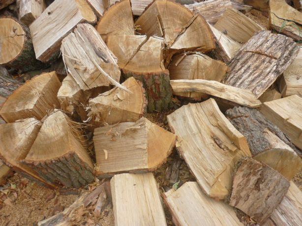 Drewno drzewo kominkowe suche opał dąb akacja jesion klon brzoza olch