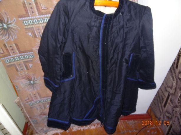 Старовинне пальто-жупан жіноче