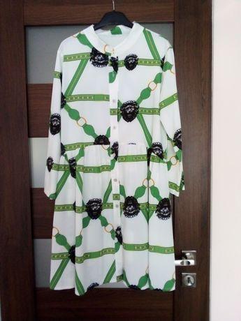 Nowa sukienka na stójce