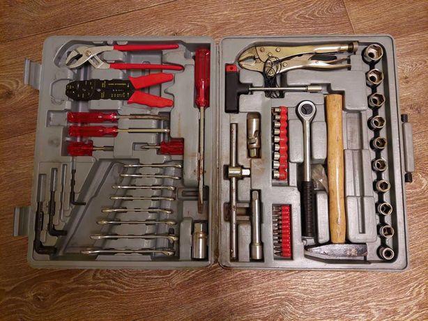 Набор слесарных автомобильных инструментов