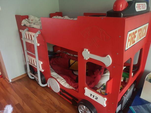 Łóżko piętrowe dziecięce wóz strażacki
