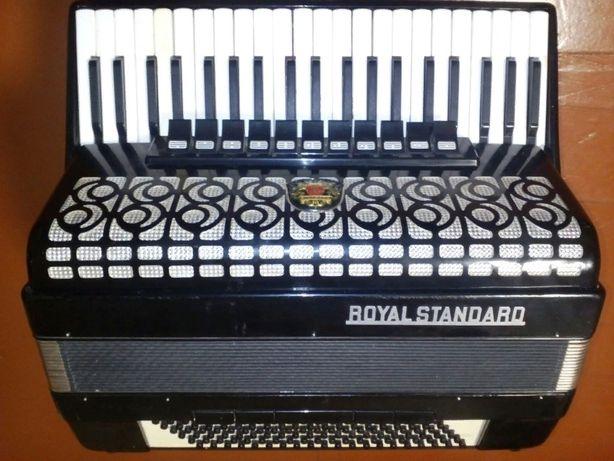 Аккордеон Royal Standard Montana (ТОРГ)